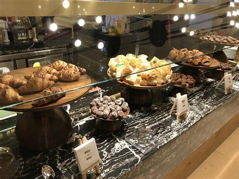 Gran Melia Palacio De Los Duques Madrid Breakfast cakes