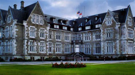 Grand Hotel  2011  • Serie TV  2011