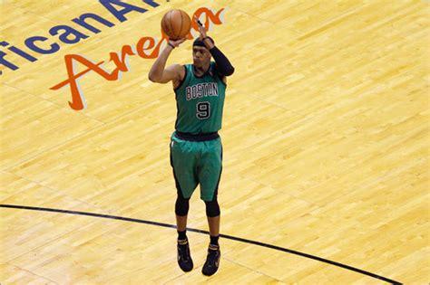 Great Celtics playoff performances - Boston.com