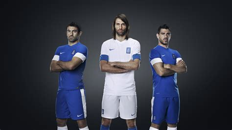 Greek national team head to the pitch in new Nike kit ...