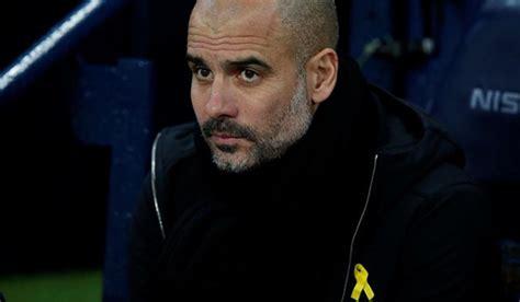 Guardiola la lía comparando el lazo amarillo con el del ...