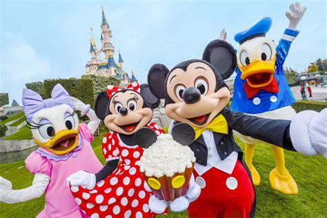 Happy Birthday Mickey: Mouse's Disneyland Paris surprises ...