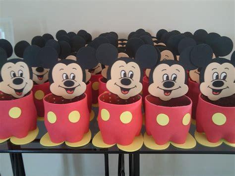Heleninha Artes: Mickey e Minnie... Centro de mesa.