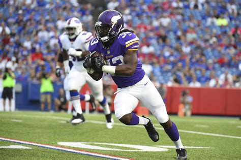 Here Are The 12 Best Running Backs In Fantasy Football For ...