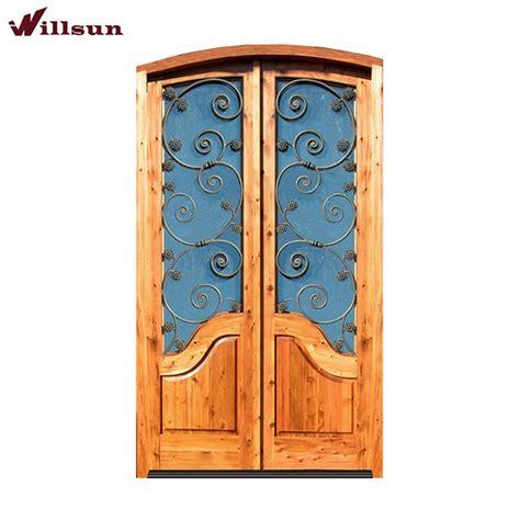 Hermosa metal diseños de puertas de madera maciza puerta ...