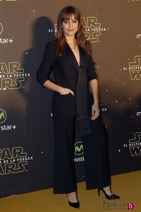 Hiba Abouk en el estreno de  Star Wars: El Despertar de la ...