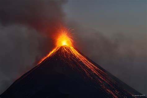 Hiking Acatenango on my Own, Volcán de Fuego in Action – A ...