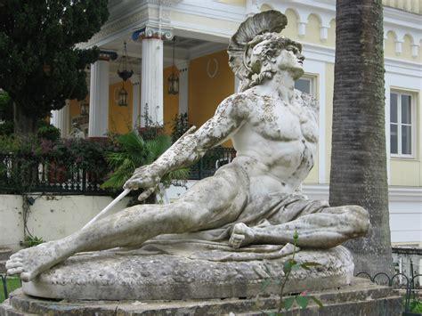 Historia, arte y miscelánea:  El talón de Aquiles