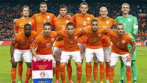 Holanda: Nike le hizo espectacular camiseta ¡para el ...