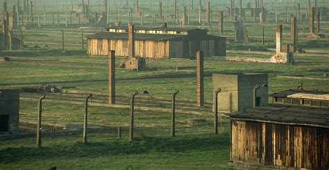 Holocaust Concentration Camps Pictures   The Holocaust ...