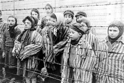 Holocaust Memorial Day 2015: Nazi genocide at Auschwitz ...