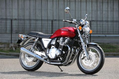 Honda gets serious with CB1100   MCN