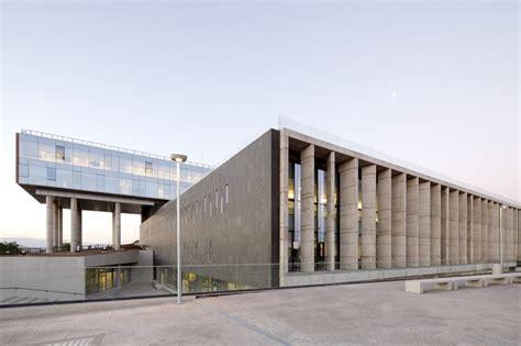 Hospital el Carmen de Maipú / BBATS Consulting&Projects ...