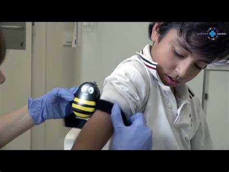 Hospital sin dolor: la abeja Buzzy acompaña cuando se ...