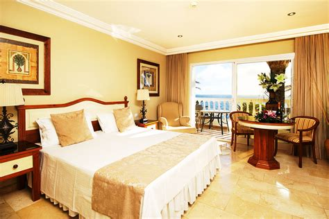 Hotel Reservation - El Oceano Beachfront Hotel