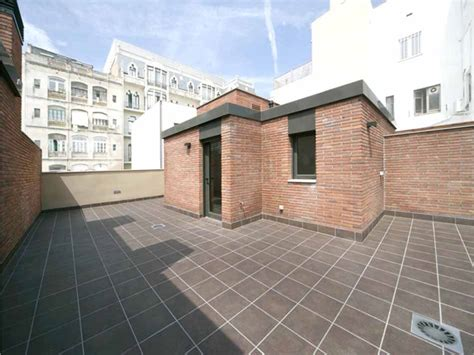 House with terrace for sale in Barcelona - Gracia