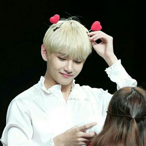 How my mom became a fan of Taehyung???????? #comedicARA | ARMY s ...