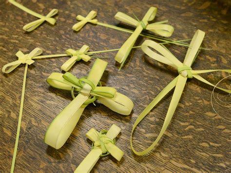 How to make a palm cross for Palm Sunday - News - Uticaod ...