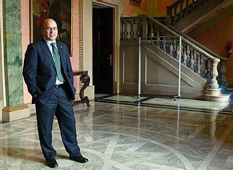 Hoy comienza el macrojuicio del  caso De Miguel  por ...