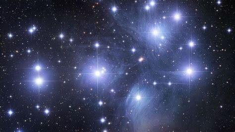 Hoy podremos ver las Pléyades, las estrellas más ...