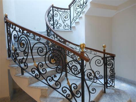 Ideas para decorar barandillas de hierro forjado para tus ...