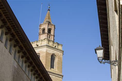 Iglesias y capillas