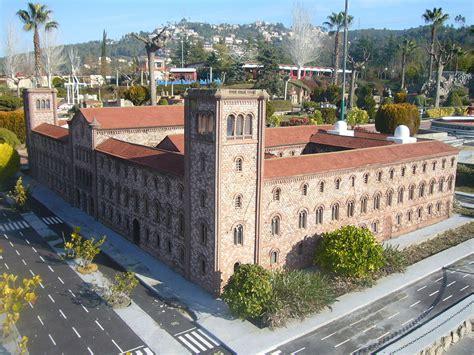 Imachen:Catalunya en Miniatura Universitat de Barcelona ...