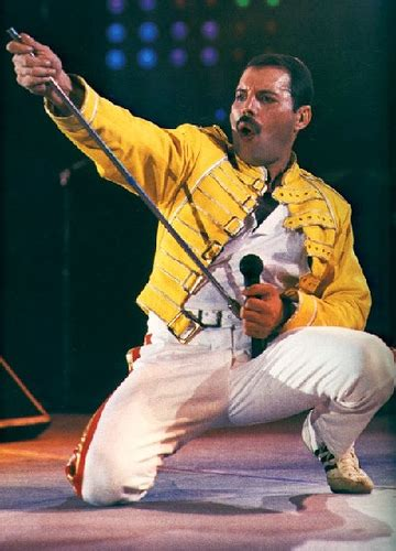 Image - Freddie-Mercury-performs-live-we-will-rock-you ...