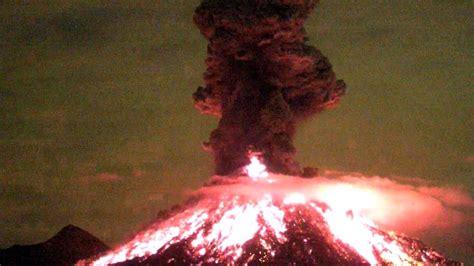 Impresionante Volcán de Colima 18 de enero 2017 a las 00 ...
