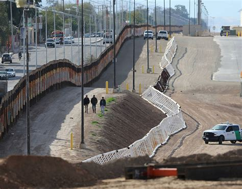 Incredible views of the U.S. - Mexico border NOW ...
