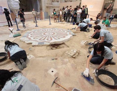 Indicios de una nueva tumba de San Fernando en la Capilla ...