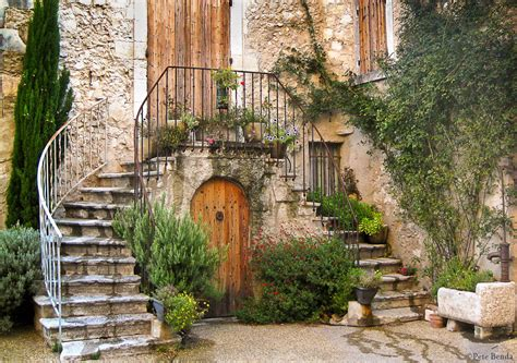 Info • provence village • Voyages - Cartes