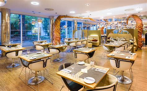 InGarden noodels Restaurant cafe | Hotel Grandium Prague
