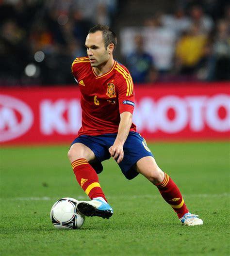 Iniesta es el futbolista que mejor juega a futbol del ...