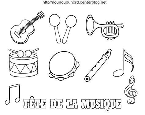 Instrumentos musicales #110  Objetos  – Páginas para colorear