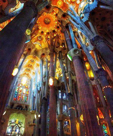 Interior Basílica de la Sagrada Familia Barcelona ...