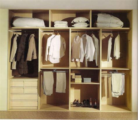 interior de armario. 4 modulos + 3 maleteros | Vestidores ...