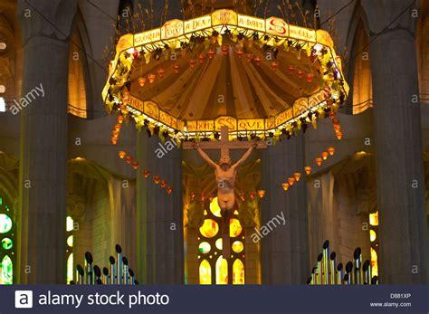Interior de la Basilica de la Sagrada familia del ...