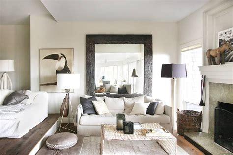 Interiores de casas: decoración con muebles rústicos
