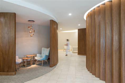 Interiorismo Oficinas Piso 17 Parque Titanium / Marsino ...