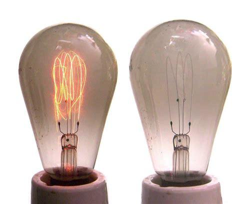 ¿Inventó Thomas Edison la bombilla? Realmente no – Curiosoando
