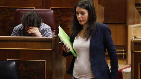 Irene Montero ya luce tripita en el Congreso | Pablo ...