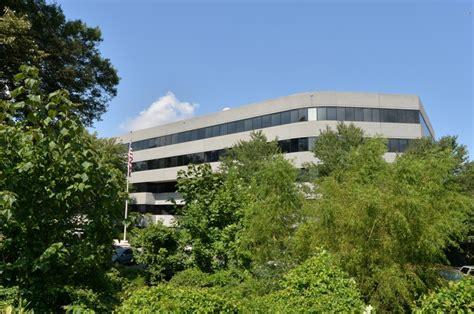 Isakson tells VA to fix enrollment flaws at Atlanta center