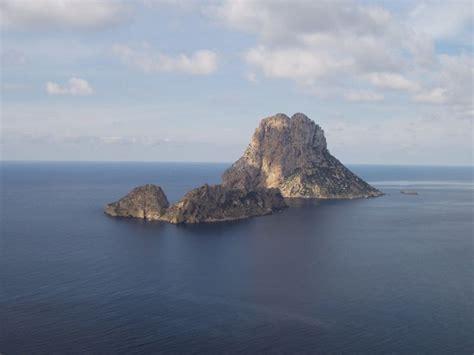 Isla de Es Vedrá   Wikipedia, la enciclopedia libre