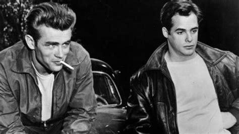 James Dean fue esclavo sexual de Marlon Brando, según ...