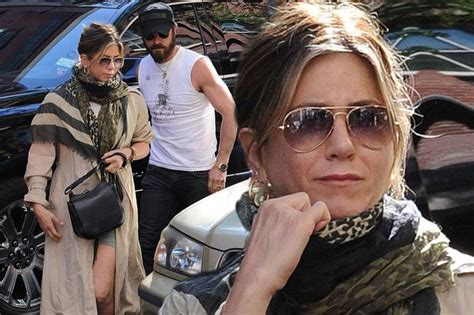 Jennifer Aniston and Justin Theroux spotted in New York ...