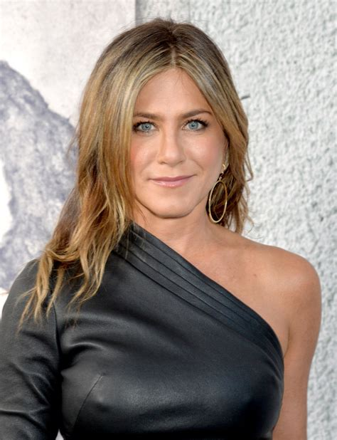 JENNIFER ANISTON at The Leftovers, Season 3 Premiere in ...