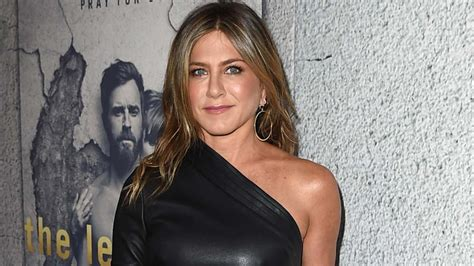 Jennifer Aniston Celebrates 49th Birthday With Courteney ...