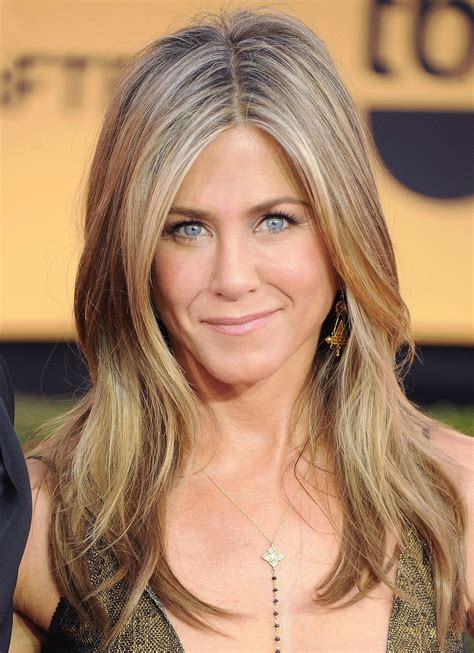 Jennifer Aniston Has Launched Her Fifth Fragrance, Luxe