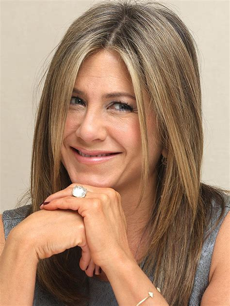 Jennifer Aniston Refers to Her Engagement Ring as a  Rock ...
